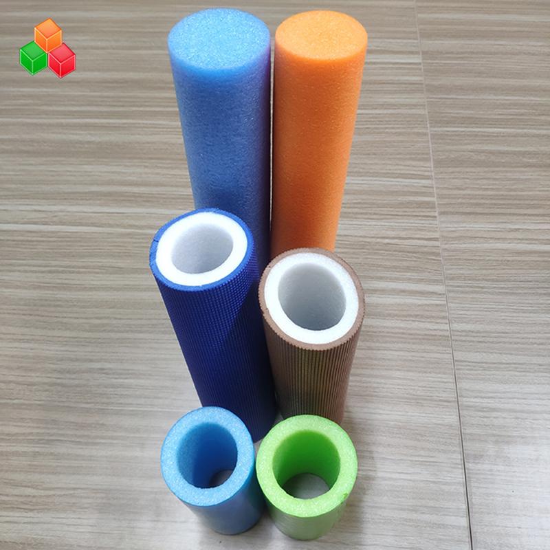 Προσαρμοσμένο σχήμα λογότυπου χρώματος σούπερ μαλακοί κοίλοι σωλήνες αφρού PVC EVA EPE στρογγυλό σωλήνα αφρού για εσωτερικούς εξοπλισμούς παιδικής χαράς / συσκευασίας